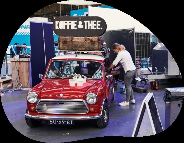 Onze mini die is omgebouwd tot mobiele koffiebar