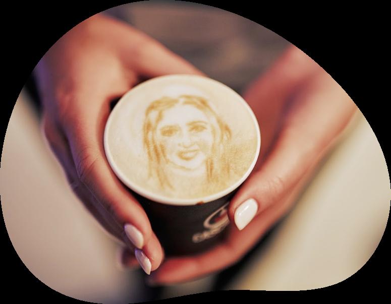 Prachte latte art in een beker