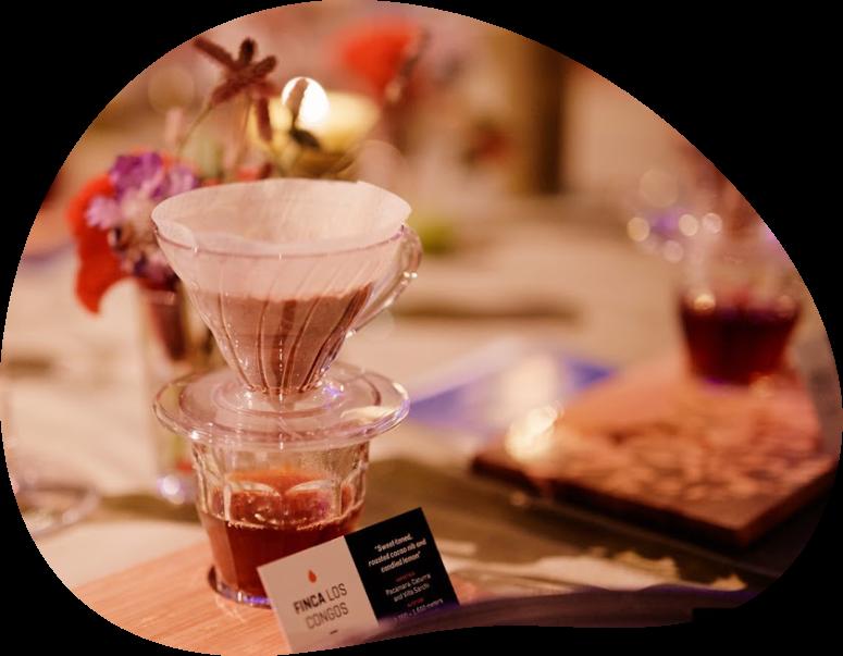 Verse filterkoffie na afloop van een diner